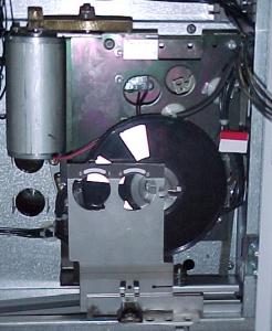双弹簧电动操作机构