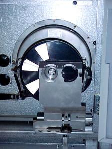 单弹簧操作机构